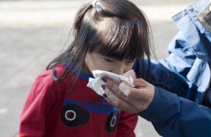 Đừng để trẻ hỏng tai chỉ vì xì mũi không đúng cách.